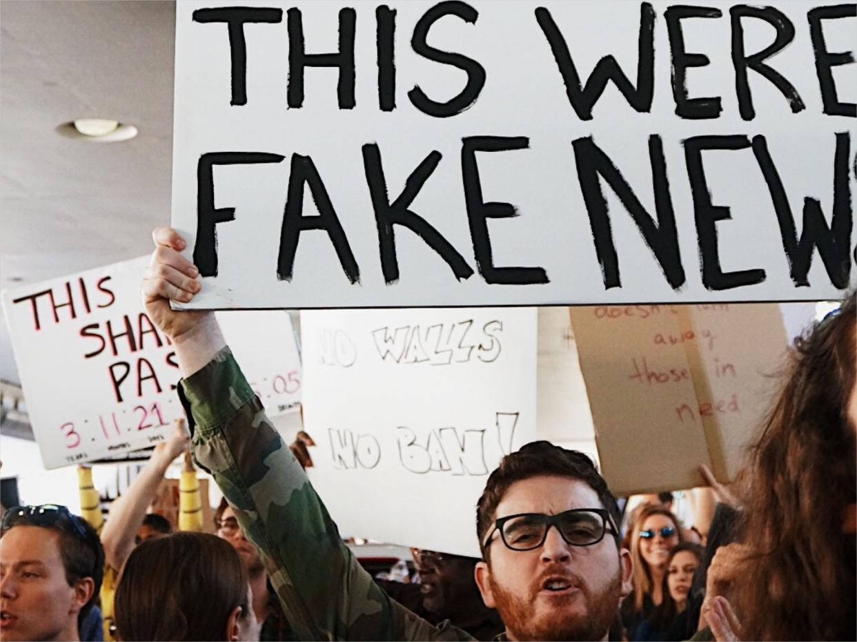 Tackling fake news claims about online teaching and learning