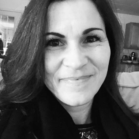 Nina Araujo's avatar
